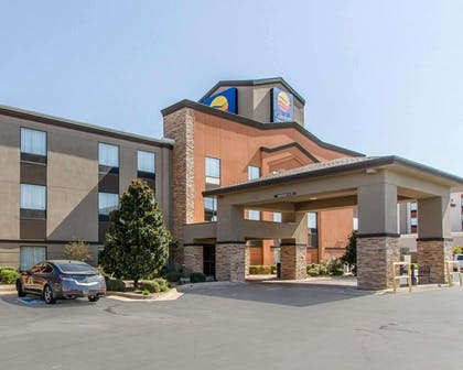 Hotel near popular attractions | Comfort Inn & Suites Pauls Valley - City Lake