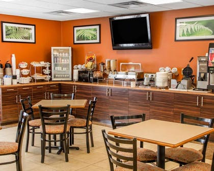 Breakfast counter | Sleep Inn & Suites Oklahoma City Northwest
