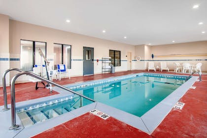 Indoor pool | Comfort Inn & Suites Norman near University