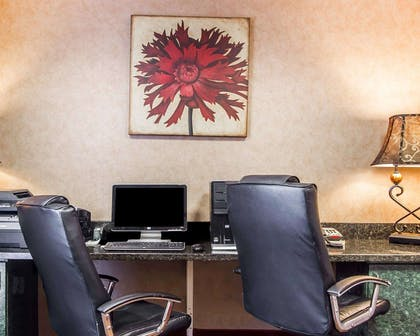 Business center | Comfort Inn & Suites Shawnee North near I-40
