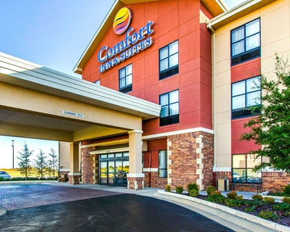 Hotel exterior | Comfort Inn & Suites Shawnee North near I-40
