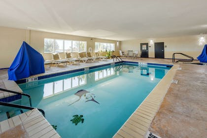 Indoor pool | Comfort Inn & Suites Perry I-35