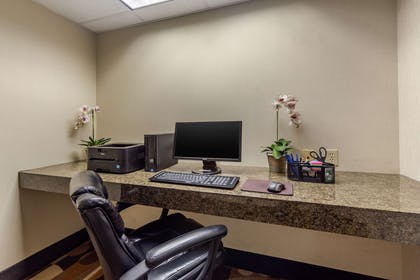 Business center | Comfort Inn & Suites Perry I-35
