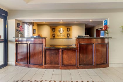 Front desk | Comfort Inn & Suites Perry I-35