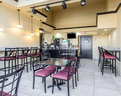 Enjoy breakfast in this spacious area | Quality Inn & Suites Fairgrounds West