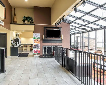 Beautifully decorated hotel | Quality Inn & Suites Fairgrounds West